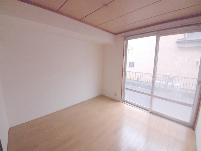 堀井コーポ 102号室のリビング