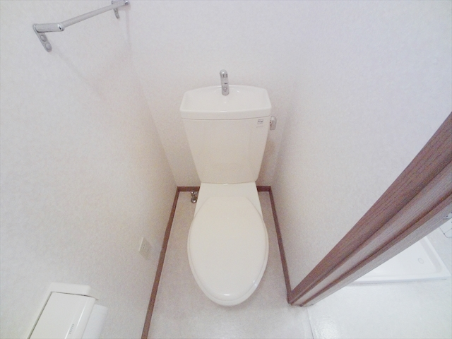 クレセント C 203号室のトイレ