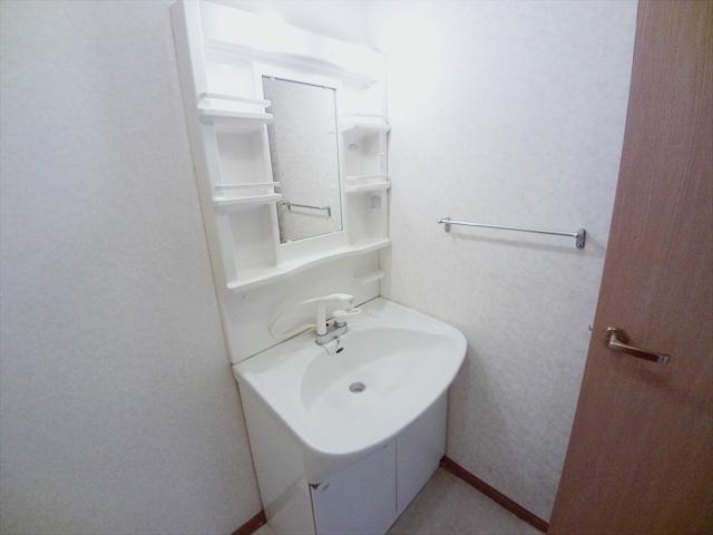 クレセント C 203号室の洗面所
