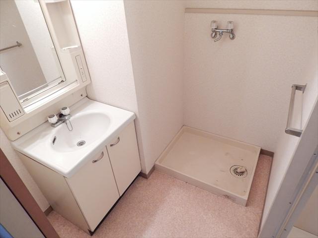 オクタビアヒル B-302号室の洗面所