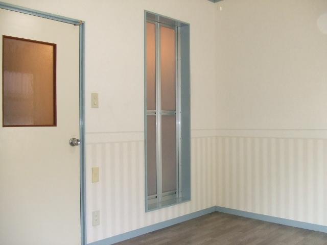 原市コーポK5 2-C号室の玄関