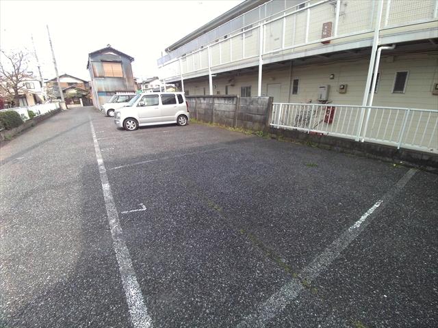 原市コーポK5 2-E号室の駐車場