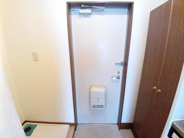 原市コーポK5 2-E号室の玄関