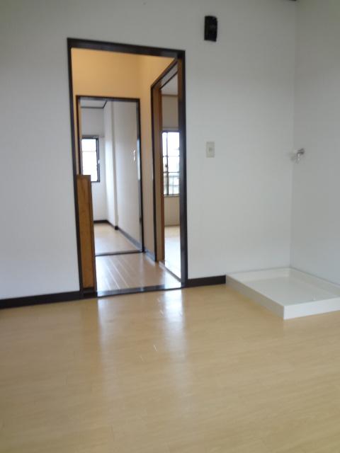 岡野マンション B-102号室のその他