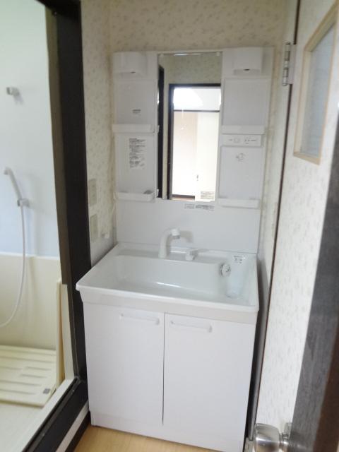 岡野マンション B-102号室の洗面所