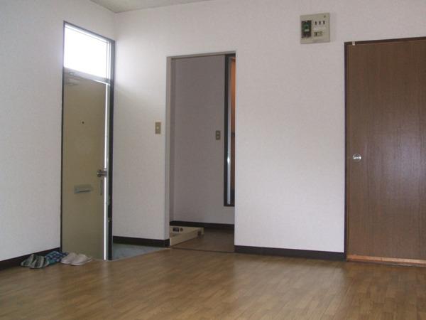 レイクヒル A 105号室のリビング