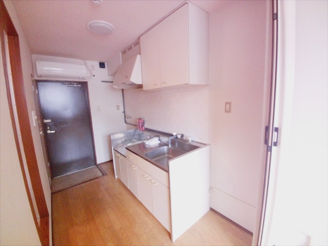寺山マンション 303号室のキッチン