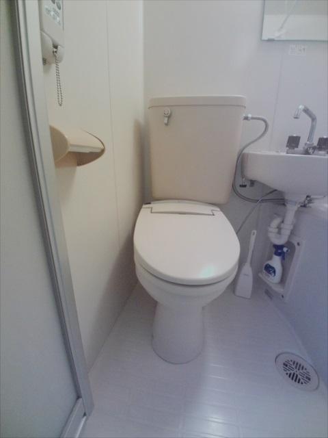 寺山マンション 303号室のトイレ