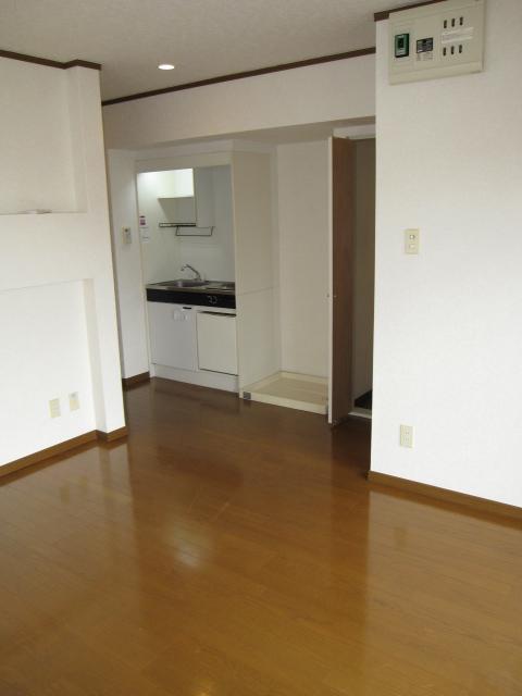 アーバンST 403号室の居室