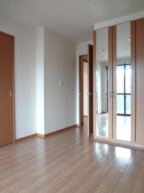 グレートノーブルA 203号室の居室