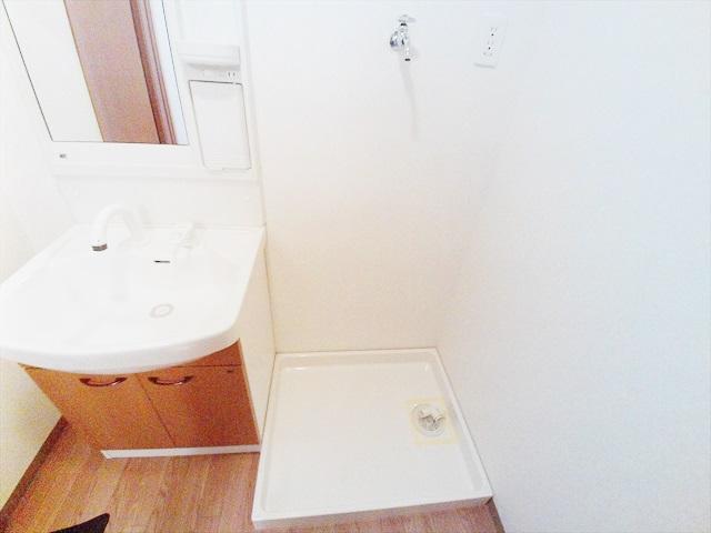 フィオレ 303号室の洗面所