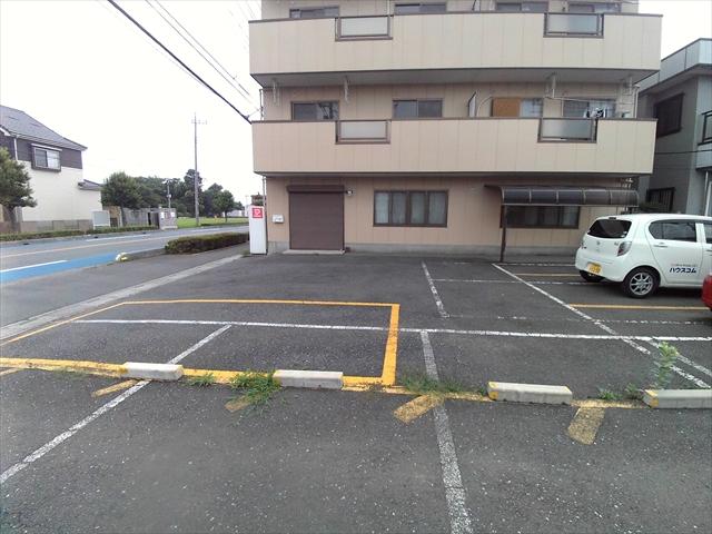 あらいハイツ 301号室の駐車場