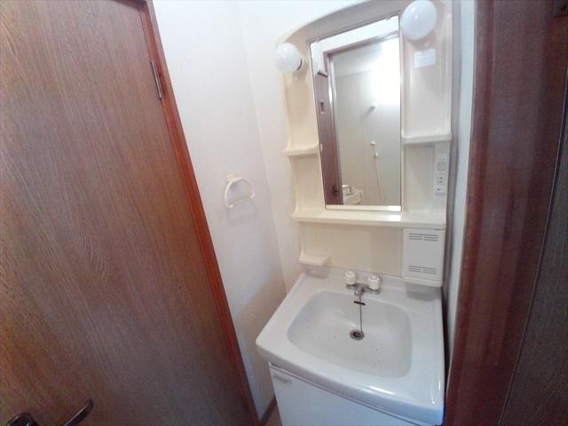 あらいハイツ 301号室の洗面所