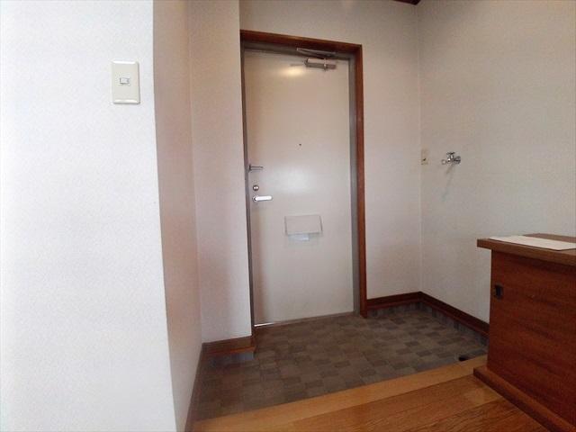 あらいハイツ 301号室の玄関