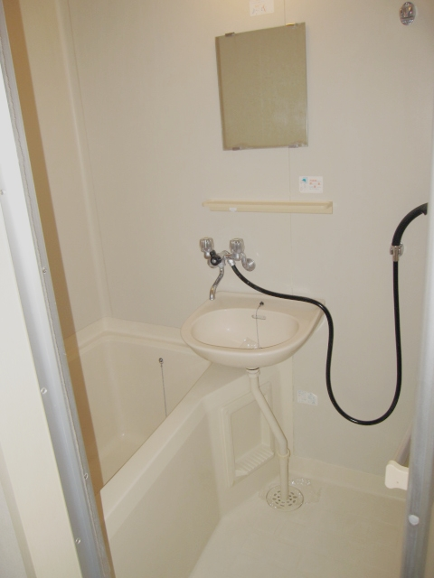 ロイヤルコーポ幸 A 201号室の風呂
