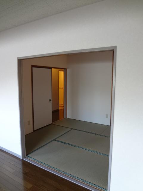 ロンドモンターニュ 601号室の居室