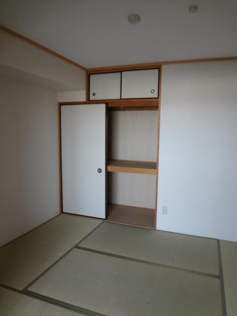 ロンドモンターニュ 601号室の収納