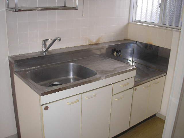 グランドハイツ光 B-101号室のキッチン