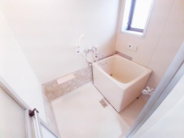 第一あかねコーポ 201号室の風呂