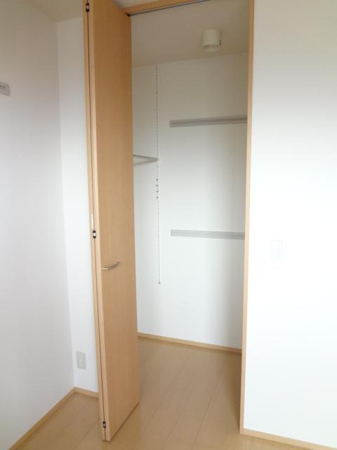 グランコート富士 102号室の収納