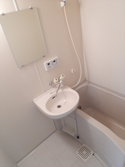 リーフビルド 303号室の風呂