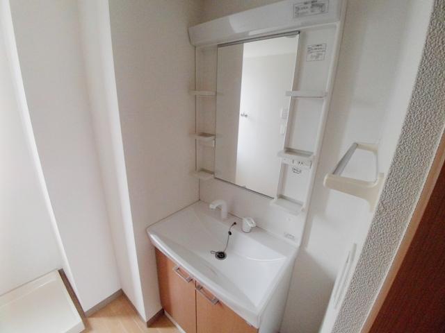 シャインフィールド 105号室の洗面所