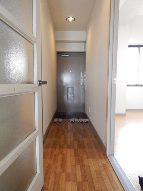 ラフォーレ21 301号室の玄関