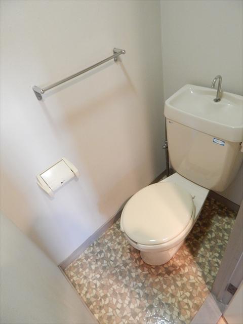 ラフォーレ21 301号室のトイレ