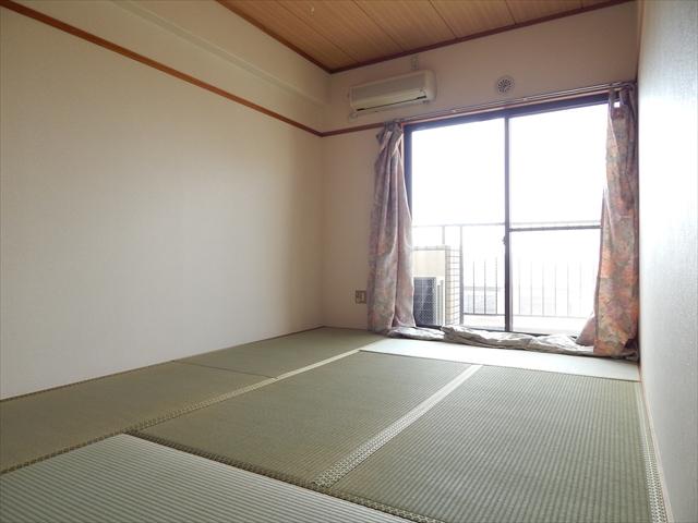 ラフォーレ21 301号室の居室