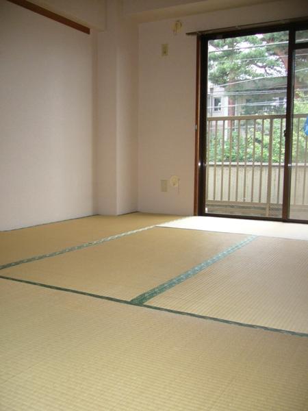 長島ビル 404号室の居室