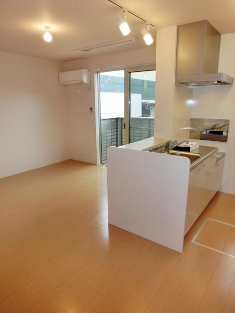 マザーアース 102号室のキッチン