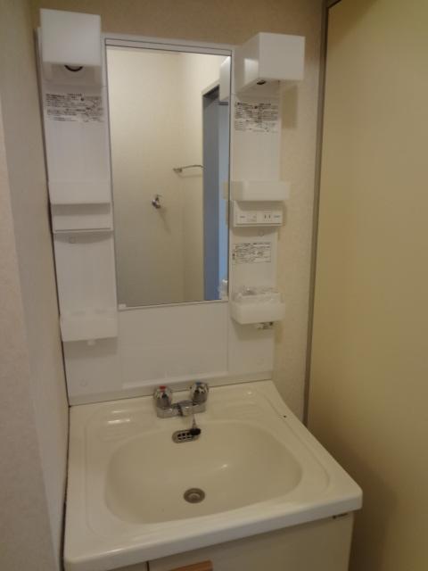 エータイマンション 103号室の洗面所