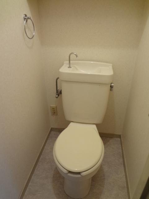 エータイマンション 103号室のトイレ