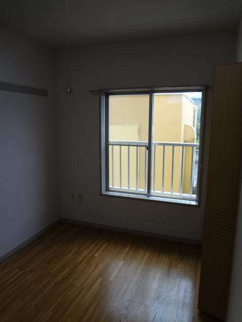 エータイマンション 103号室のリビング