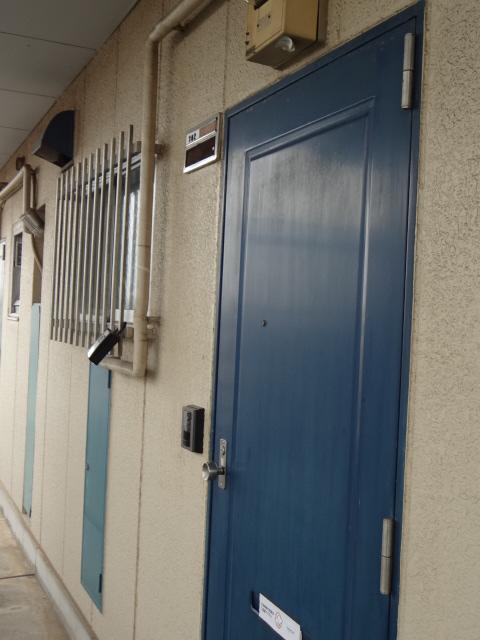 マンション新井 302号室の玄関