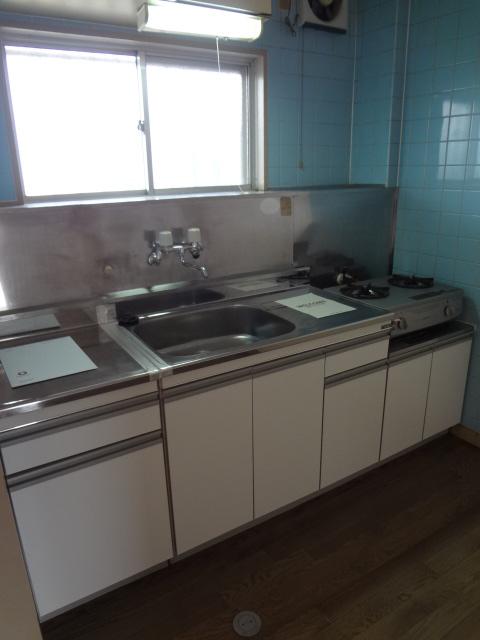 マンション新井 302号室のキッチン
