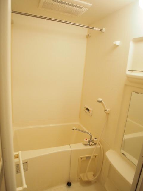 シャンドフルール 105号室の風呂