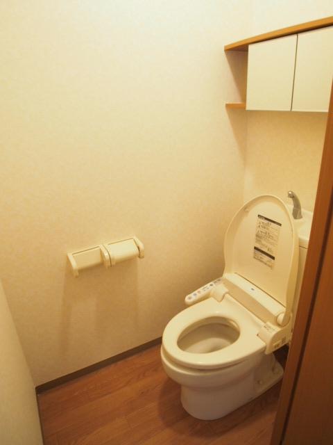 シャンドフルール 105号室のトイレ