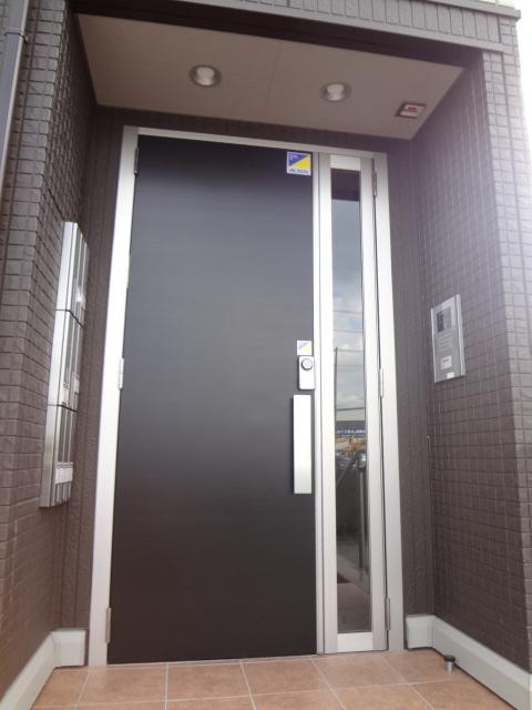 ステラ 303号室の玄関