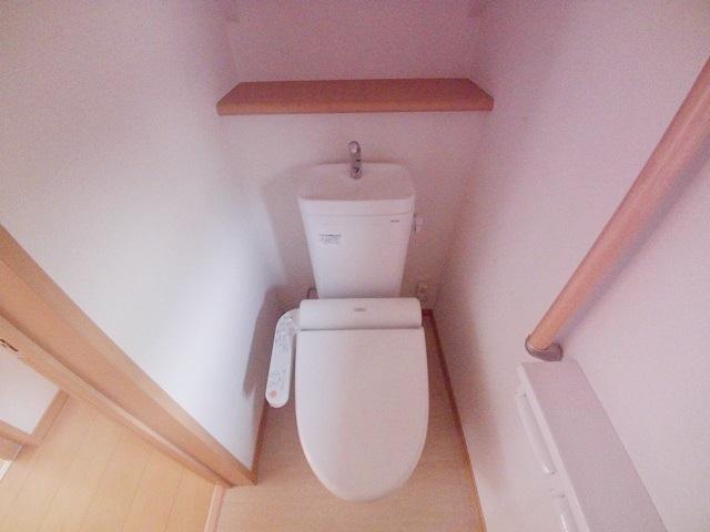 上尾二ツ宮戸建のトイレ