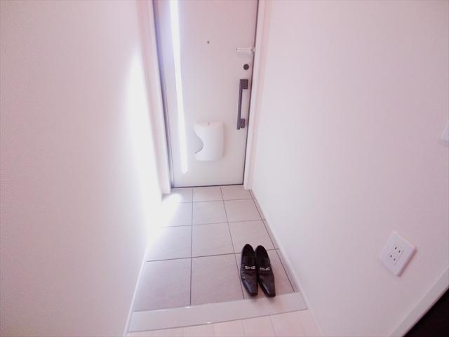 さくらや 203号室の玄関