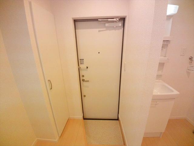 ル シエル 上尾 101号室の玄関
