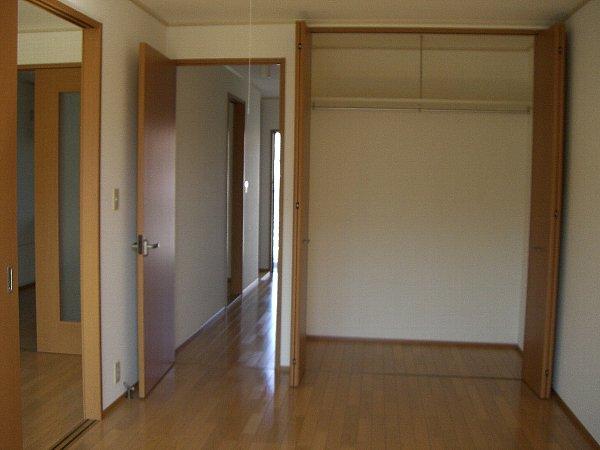 SunnyHills B 102号室の収納
