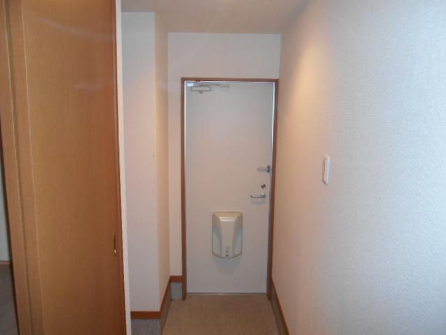 オークス中切 202号室の玄関