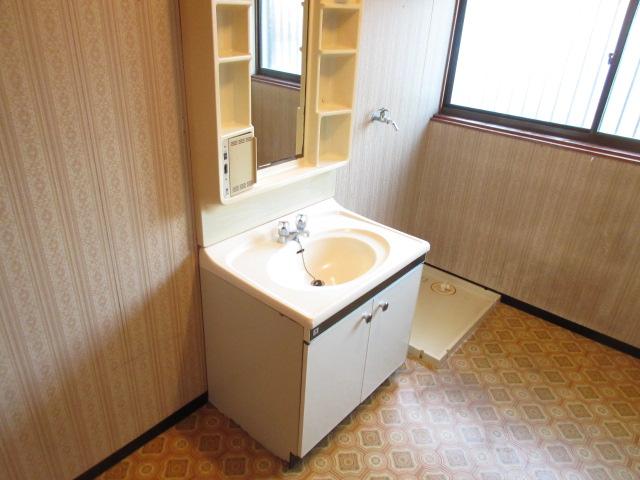 岡部貸家の洗面所