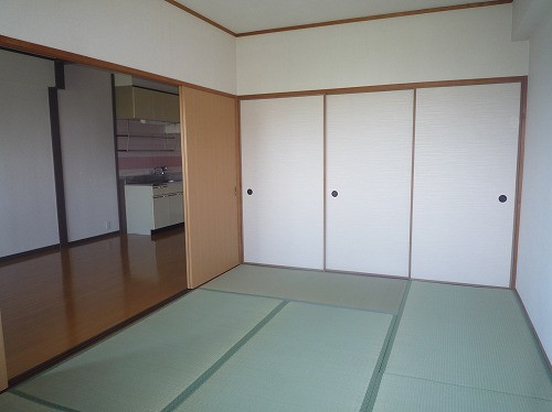コープセンタービレッジ 102号室のベッドルーム