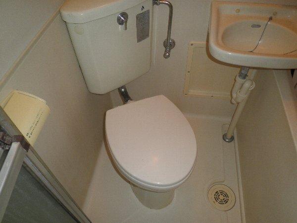 中川ビル 202号室のトイレ