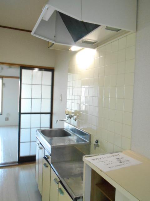 シャルム伊藤 205号室のキッチン