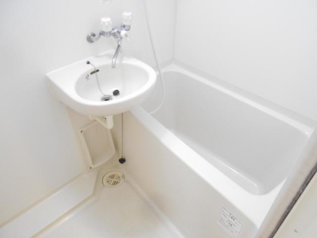 ドゥエル聖蹟 405号室の風呂