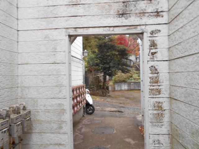 ホワイトウイング連光寺Ⅱ 202号室のエントランス